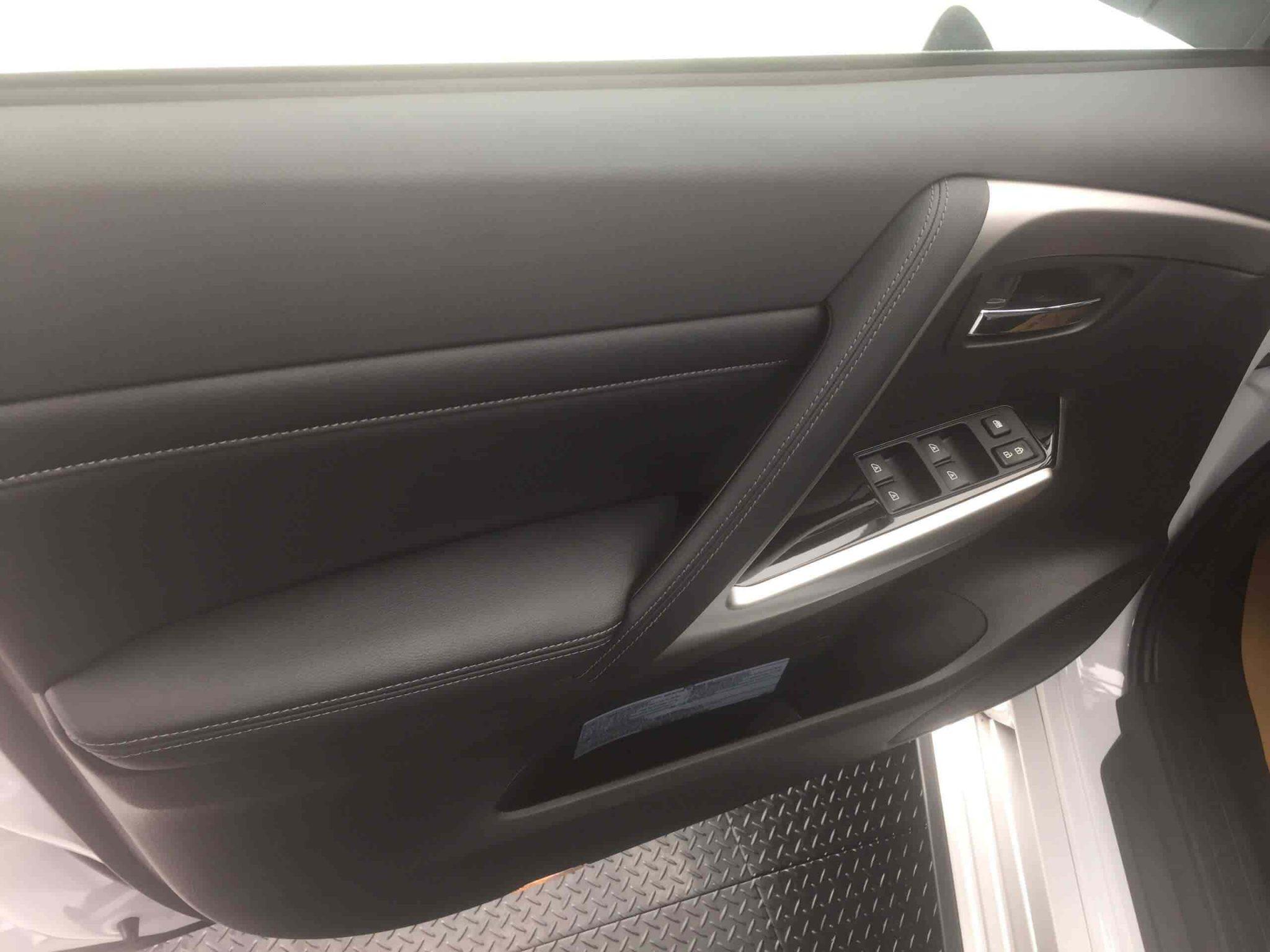 Giá xe Mitsubishi Pajero Sport 2021. - AutoVietNam